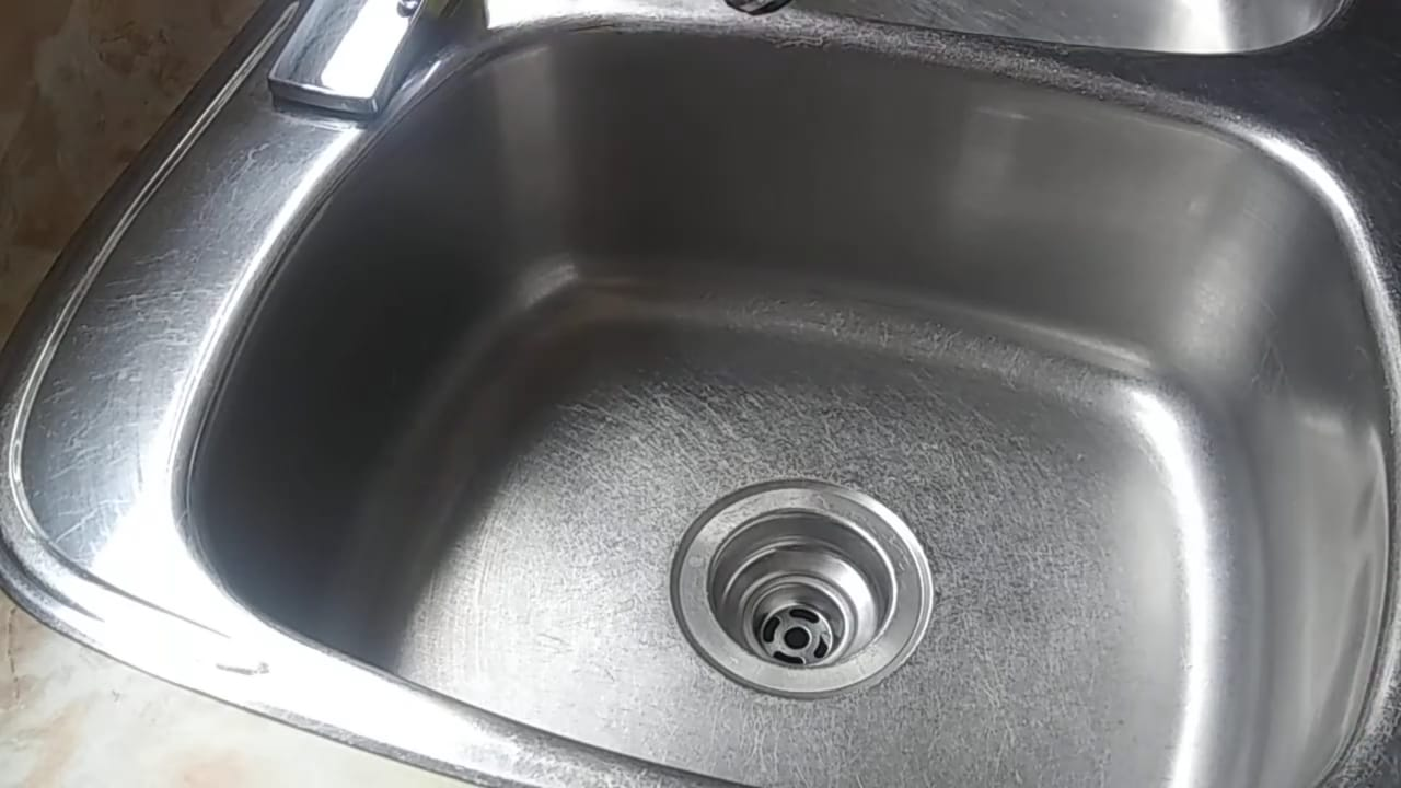 How to clean a stainless steel sink (with video)